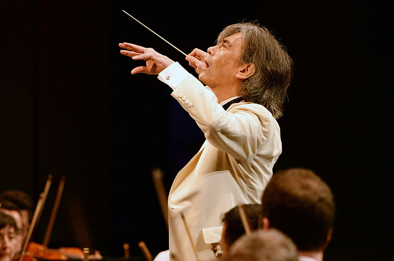 The OSM and Kent Nagano shine in Mozart and Fauré