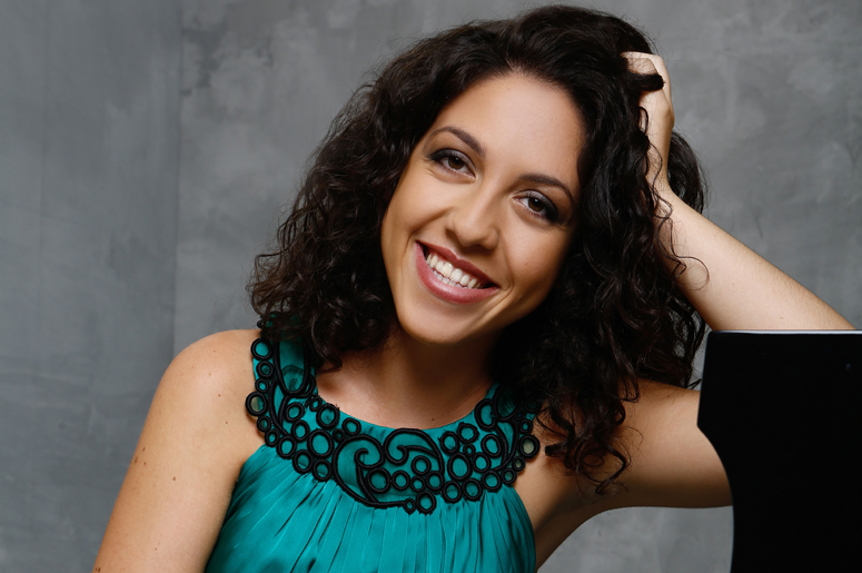 Beatrice Rana and the NAC Orchestra play Brahms