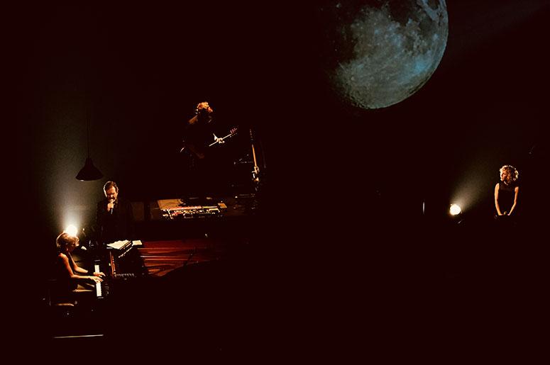 Sur la lune, Souvenirs de Claude Léveillée