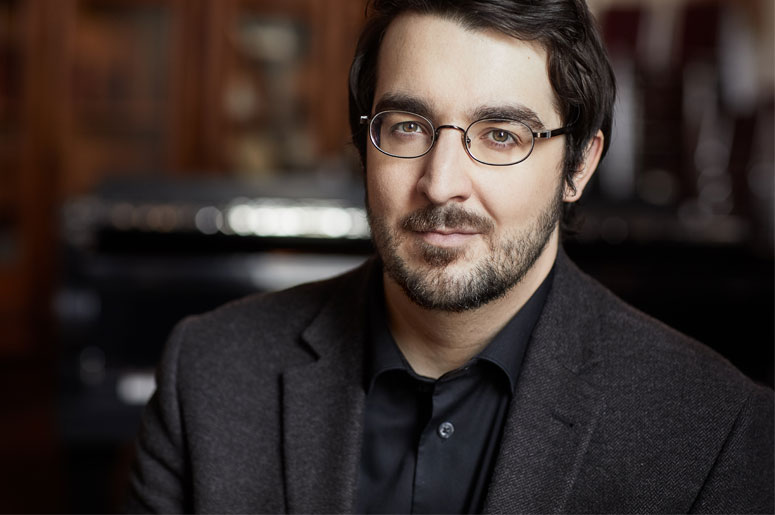 Charles Richard-Hamelin plays the two Chopin concertos
