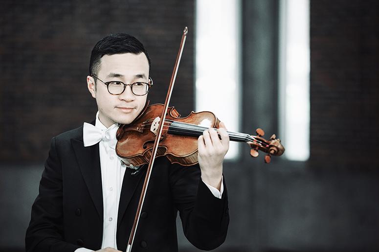 """Kent Nagano Conducts Bruckner's """"Romantic"""" Symphony"""