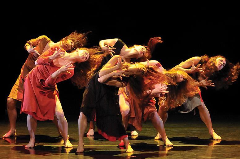 Gauthier Dance//Dance Company Theaterhaus Stuttgart - Grandes Dames